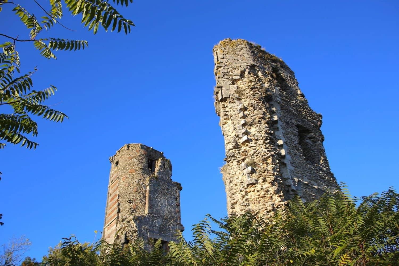 Les tours Saint Anne de Montfort