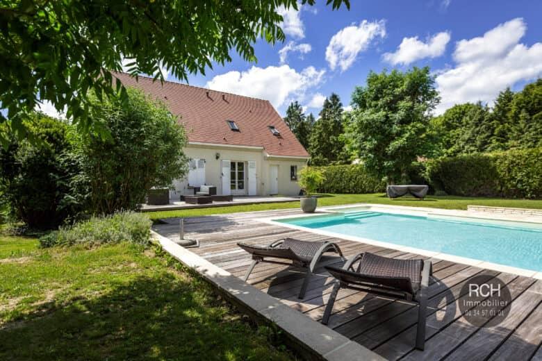 Photos du bien : Bourdonné – Charmante maison avec piscine dans un très bel environnement