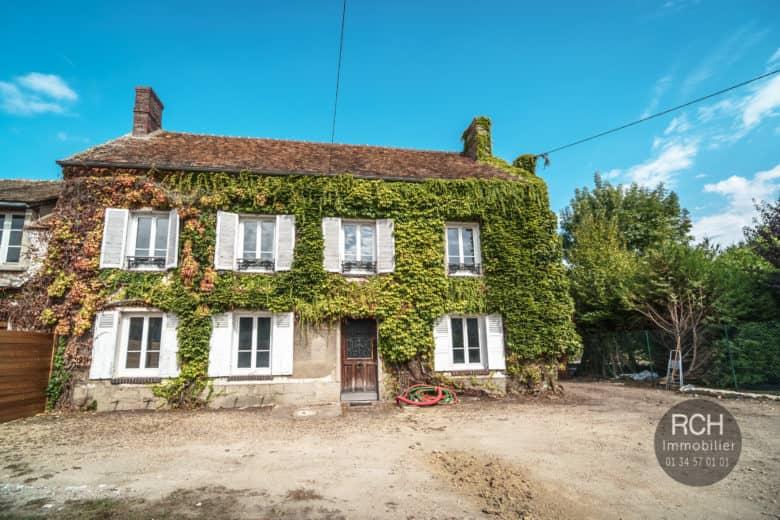 Photos du bien : Exclusivité – Orgerus – Très belle maison ancienne à restaurer entièrement