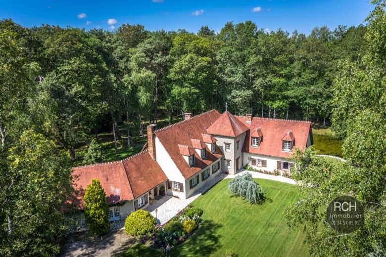 Photos du bien : Condé-sur-Vesgre – Dans un environnement exceptionnel très belle propriété sur 3,6 hectares