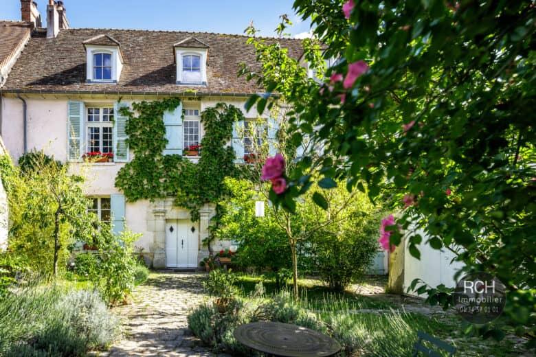 Photos du bien : Neauphle le Château – Magnifique propriété en plein coeur de village