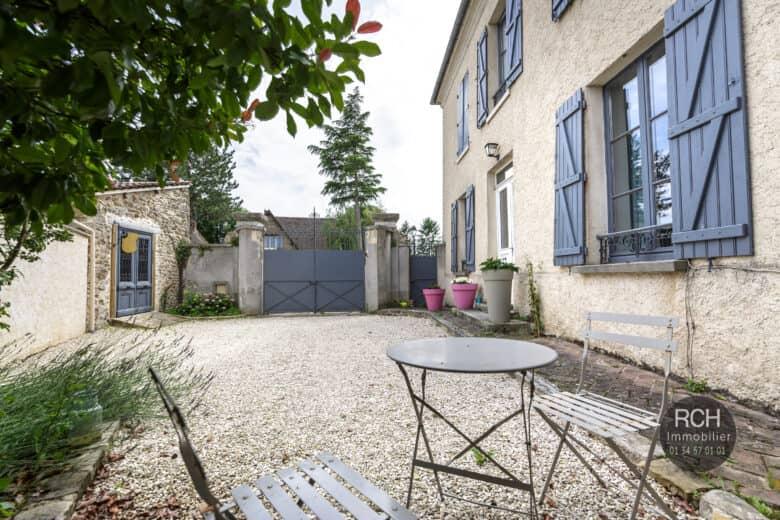 Photos du bien : Auteuil-le-Roi – Charmante maison ancienne entièrement restaurée
