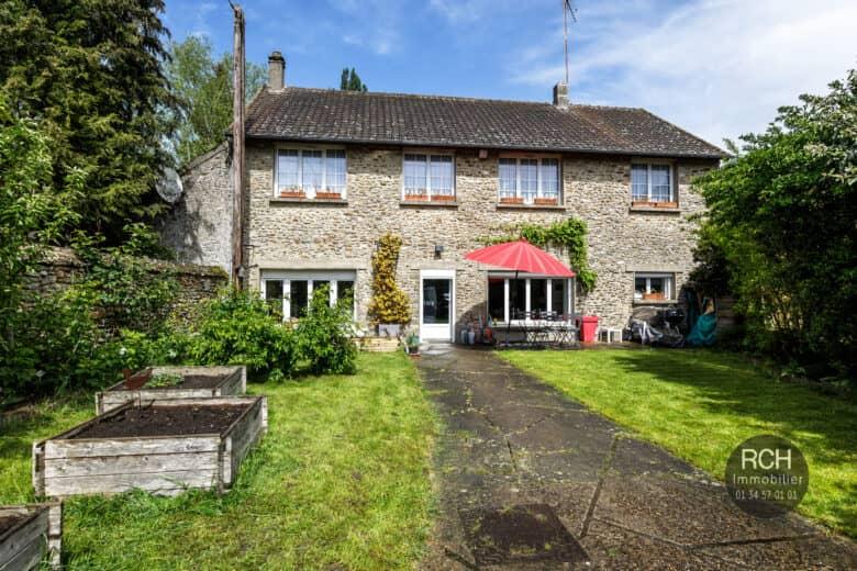 Photos du bien : Grosrouvre – Charmante maison ancienne entièrement restaurée