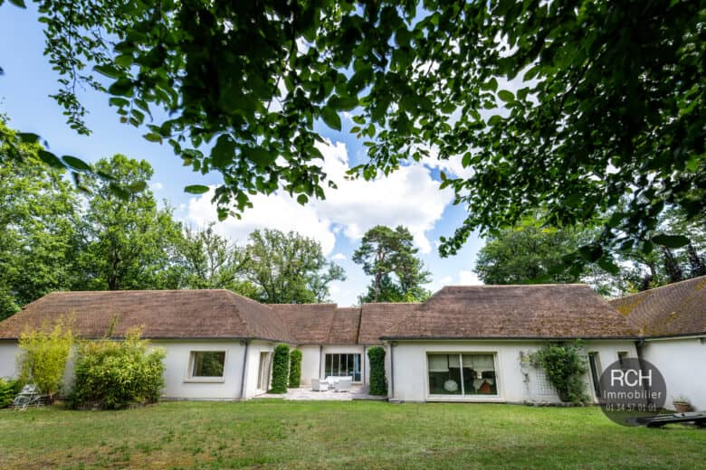 Photos du bien : Poigny-la-Forêt – Belle propriété d'architecte