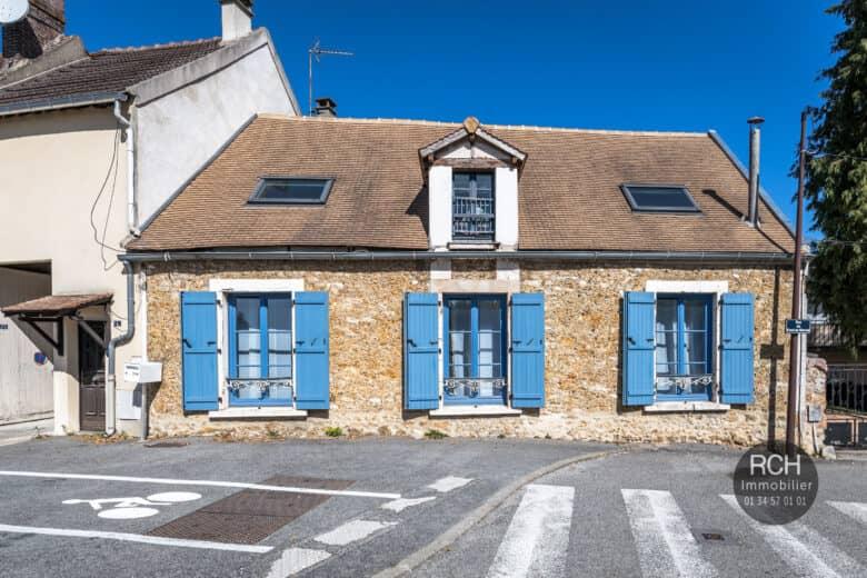 Photos du bien : EXCLUSIVITE – Centre ville de Jouars-Pontchartrain – Charmante maison ancienne