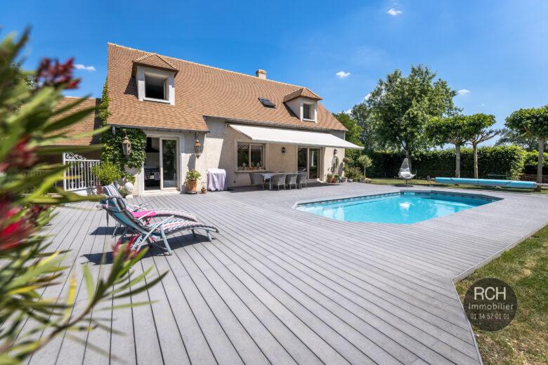 Photos du bien : Gressey – Charmante maison avec piscine