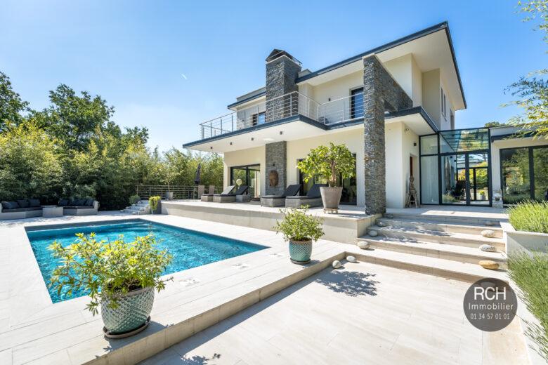 Photos du bien : Saint-Remy-L'Honoré – Superbe maison d'architecte avec piscine