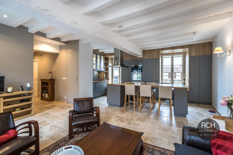 Photos du bien : Houdan centre – Très bel appartement en plein coeur de Houdan
