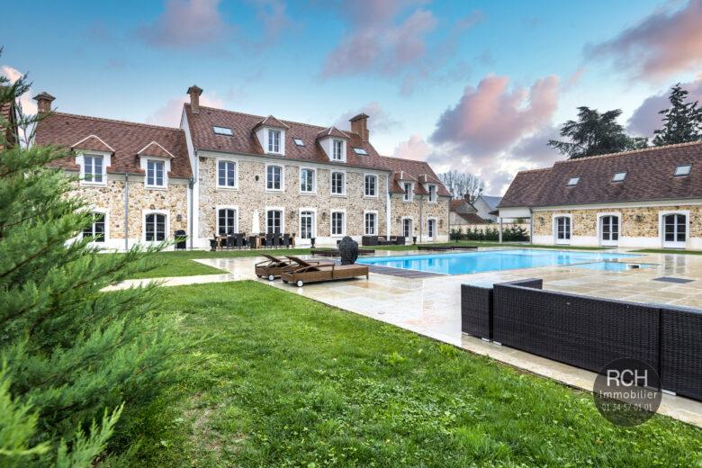 Photos du bien : Les Bréviaires – Magnifique propriété entièrement rénovée avec dépendance et piscine