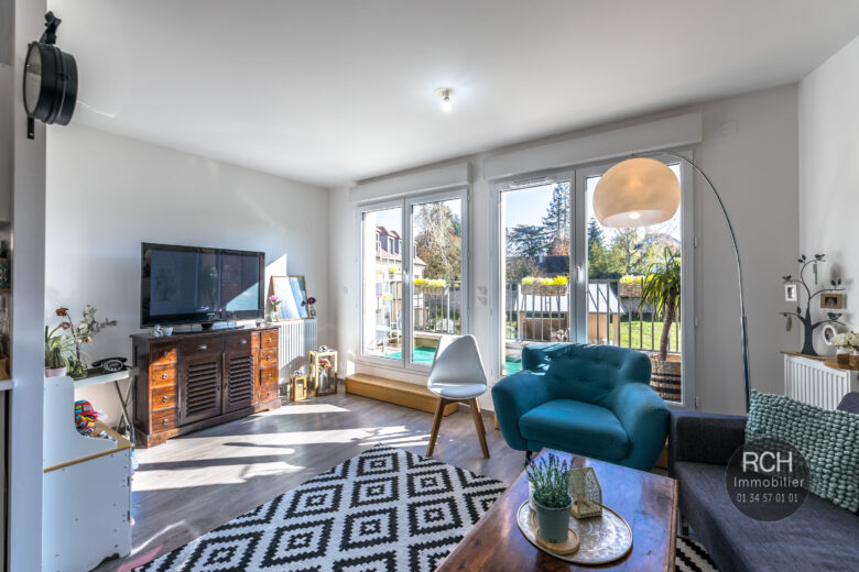 Photos du bien : Montfort-L'Amaury – Très bel appartement loué en plein centre ville