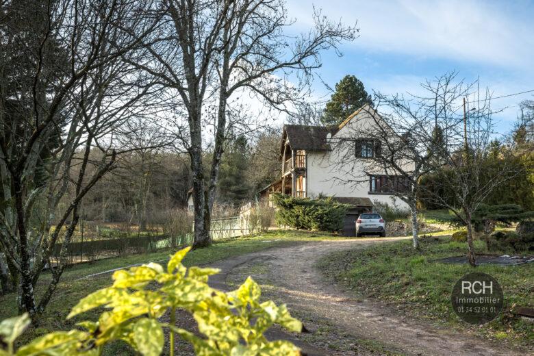 Photos du bien : Poigny-La-Foret – Jolie maison avec tennis