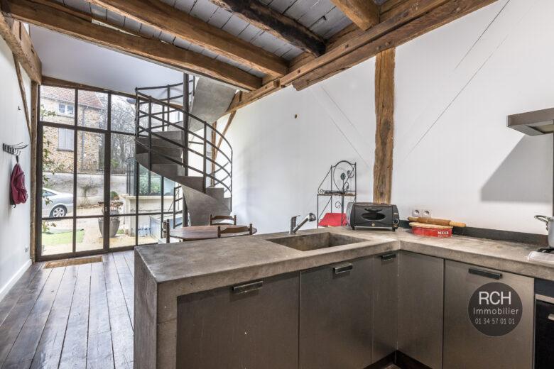 Photos du bien : Galluis – Jolie maison de ville entièrement restaurée