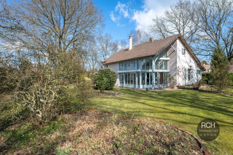 Photos du bien : Exclusivité  – Grosrouvre – Jolie maison d'architecte dans un très bel environnement