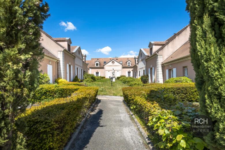 Photos du bien : Montfort L'Amaury – Maison de ville à 5 minutes à pied du centre historique de Montfort L'Amaury