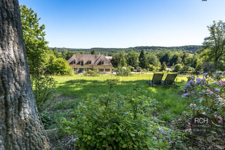Photos du bien : Exclusivité – Gambaiseuil – Très belle propriété parfaitement rénovée sur un parc boisé de 22 000 m2