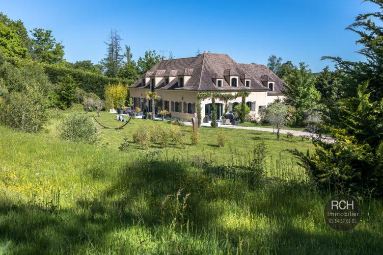 Photos du bien : Gambaiseuil – Très belle propriété parfaitement rénovée sur un parc boisé de 22 000 m2