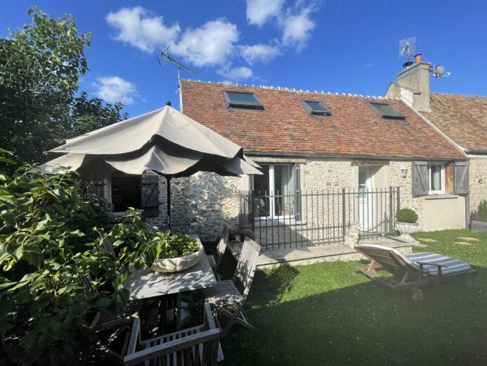 Photos du bien : Exclusivité – Méré – Charmante maison ancienne restaurée