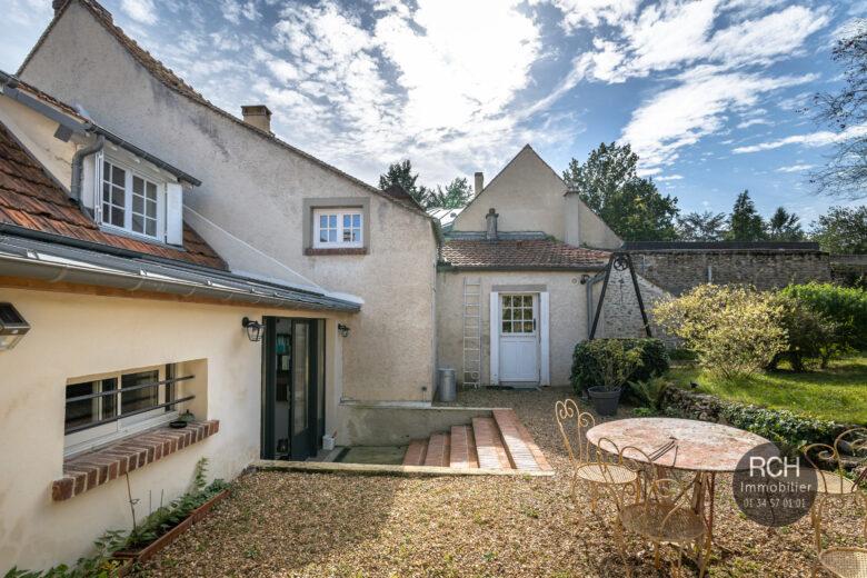 Photos du bien : Montfort l'Amaury centre – Charmante maison de ville avec jardin