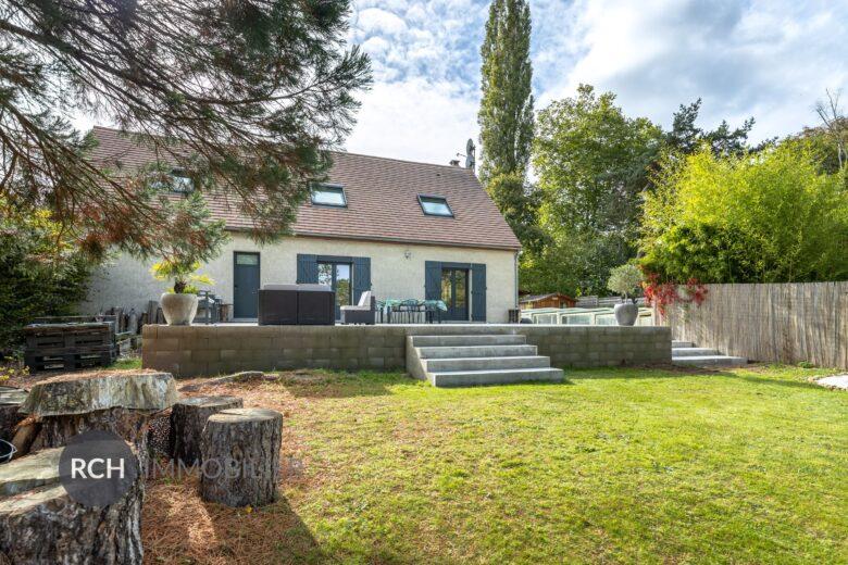 Photos du bien : Saint-Léger-en-Yvelines – Maison familiale rénovée avec piscine